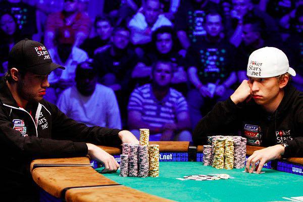 Онлайн казино покерные турниры играть в новинки карты